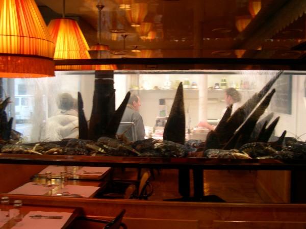 בתי הקפה של סארטר ובובואר