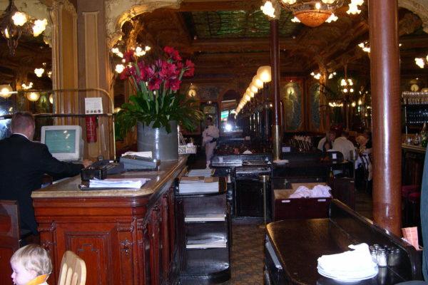 לבזבז אלף יורו במסעדות פריז (בהרחבה)