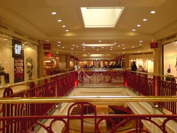 הקניון של Passy. ריכוז יעיל של החנויות שצריך לעבור בהן