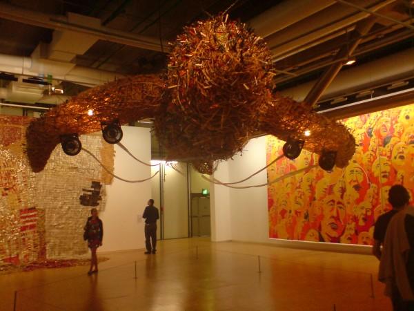 עבודה של צ'אי גו ג'אנג בפומפידו, שחיכיתי להזדמנות להשתמש בה