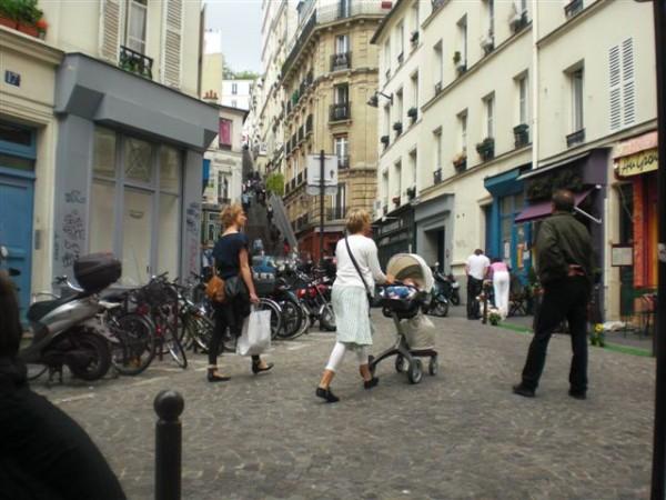 rue Vieuville. מילא הכתיב. נראה אתכם הוגים את זה