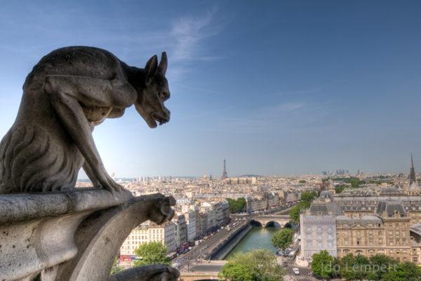 שלושה ימים בפריז ואחד לא / עדו למפרט