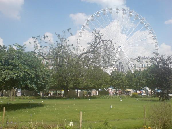 fête de tuileries. לונה פארק מענג באמצע העיר