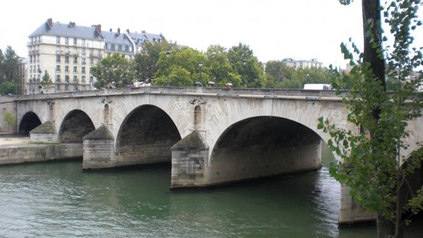 גשר על הסן. לא מספיק גבוה