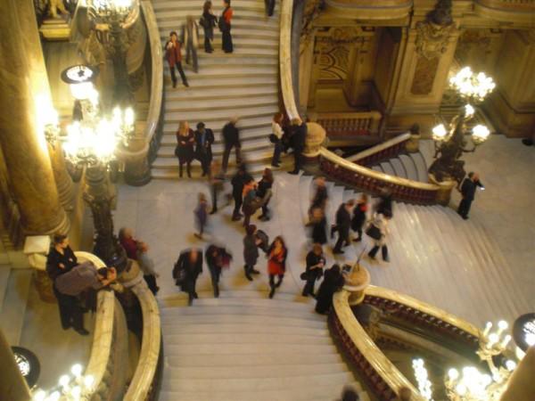 גרם המדרגות הכפול: מקום לראות ולהראות בו. אופרה גרנייה