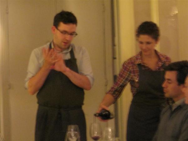 השף הביישן ובת זוגו: בריידן ולורה, השפים והמארחים.