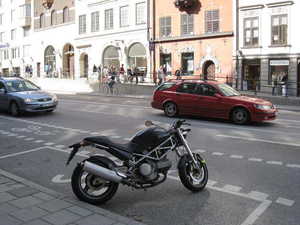 הורנסגאטאן. כלומר אופנוע והורסגאטאן