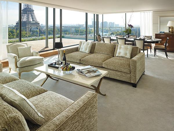 מלון שנגרילה פריז. כ-500 מטר מהאייפל