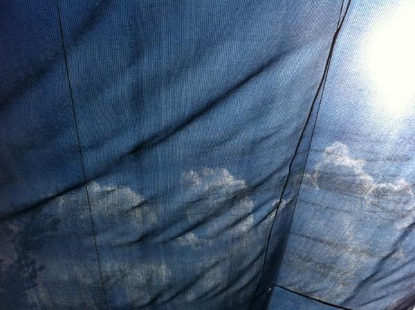 שמיים כחולים וקצת עננים. לארוז לכם?