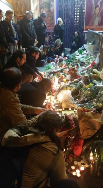 מתפללים בשבילכם. אחרי הפיגועים של נובמבר 2015