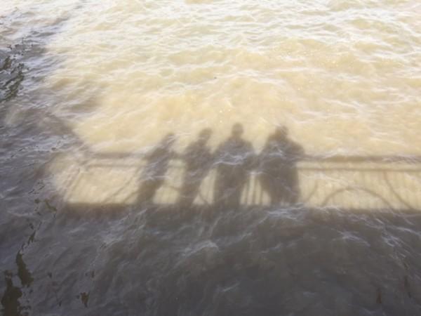 אנחנו ומים