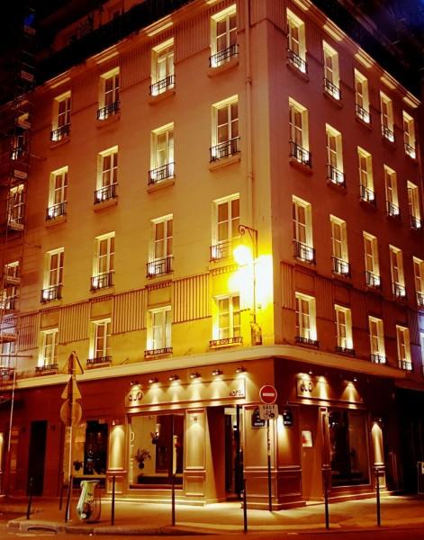 Hôtel Duo. ממוקם בלב המארה, אינטימי, נקי וקטן