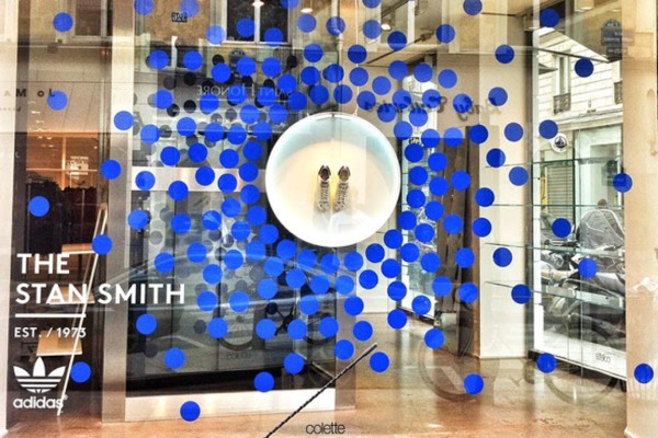 Colette-x-Stan-Smith-windows-by-Studio-XAG-Paris-France (Medium)