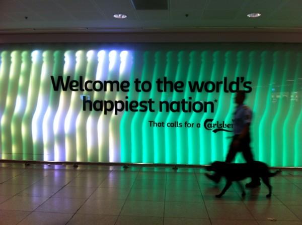 בחיי. הכל אמת, זו באמת המדינה הכי מאושרת בעולם